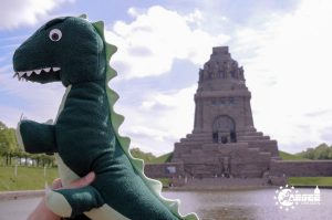 DresDino educating itself by visiting a historic monument
